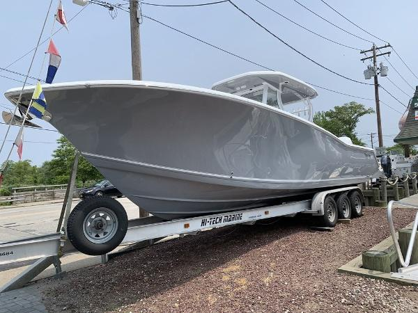 2020 TIDEWATER 320 CENTER CONSOLE